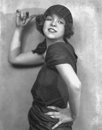 1920s – Flappers &am...